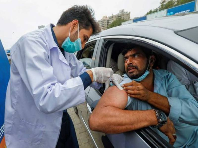 Pakistan reports 74 more corona deaths, 4,373 infections