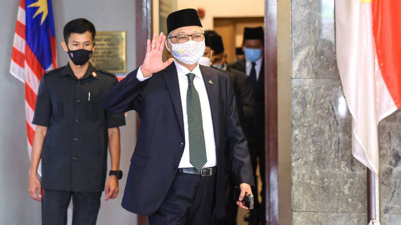 Scandal-plagued Malaysian party poised to win PM race