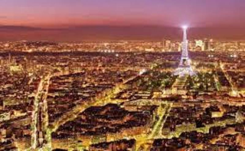 Dark days for tourism in the City of Light