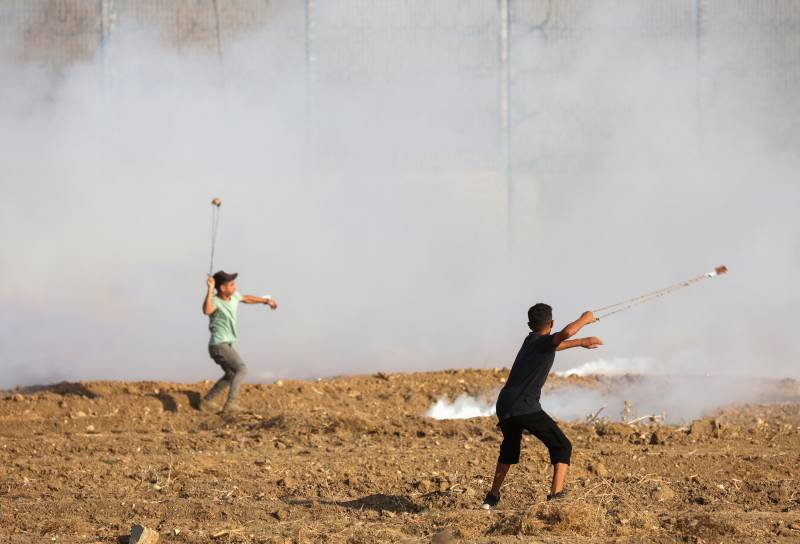 Israel bombs Gaza after border clashes