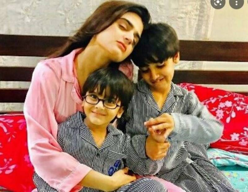 Is TOP actress Hira Mani feeling helpless in front of her LITTLE kids?