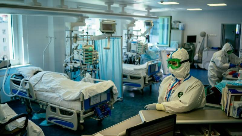 Russia reports record daily virus deaths