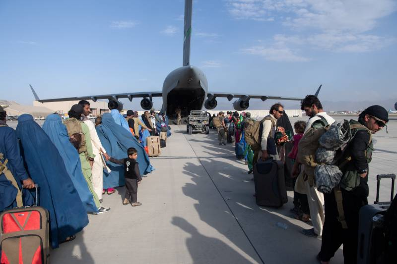 US and allies warn of 'high' terror threat at Kabul airport