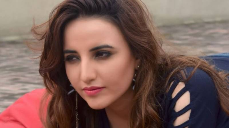 New videos of Hareem Shah dancing on Indian songs go viral