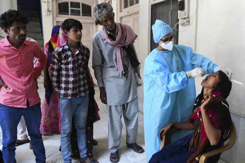 Pakistan logs 61 more corona deaths, 3,747 infections in 24 hours