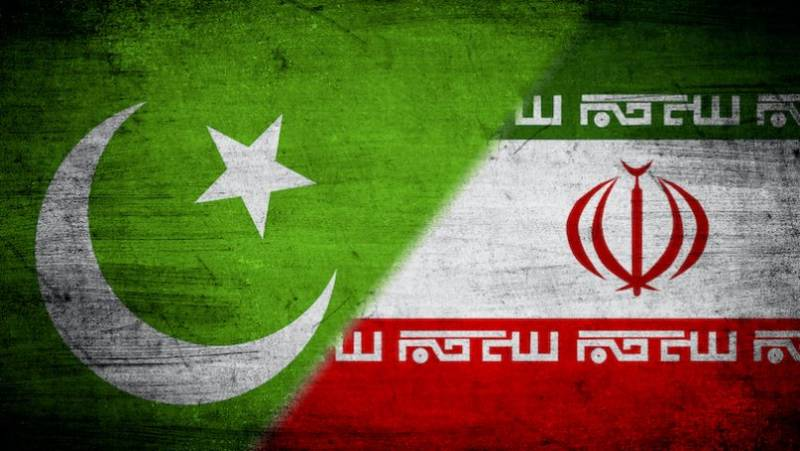 Iran hands over 219 Pakistanis to Pak forces on illegal entry