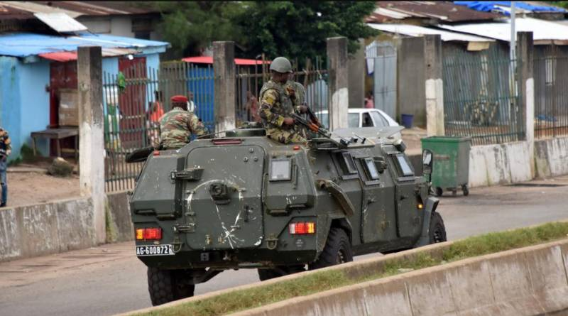 Army stages coup in Guinea