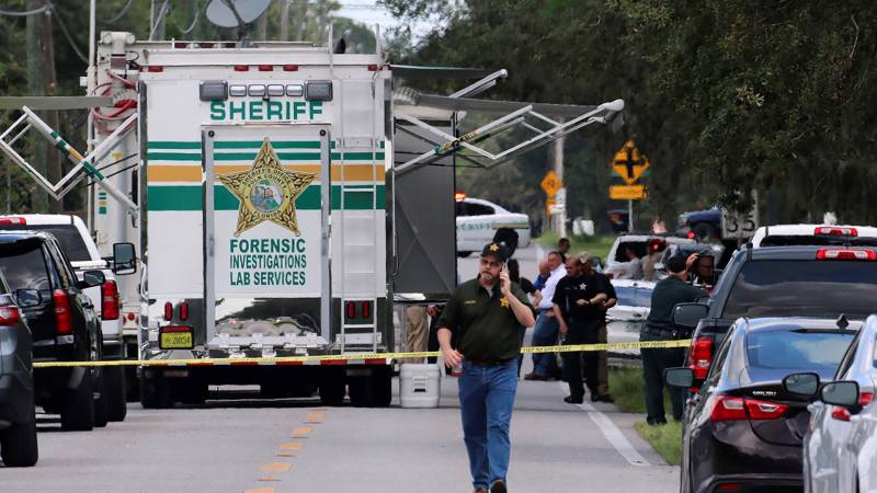 Former US army sniper kills 4, including infant, in Florida shooting spree