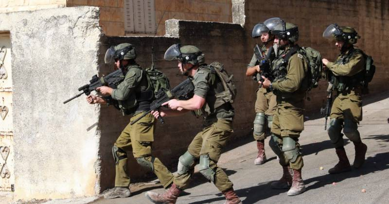 Israel arrests family members of Palestinian jail escapees