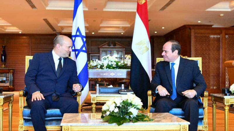 Bennett meets Sisi on first Egypt visit by Israeli PM in decade