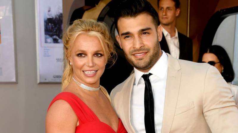 Britney Spears gets engaged to Iranian actor Sam Asghari