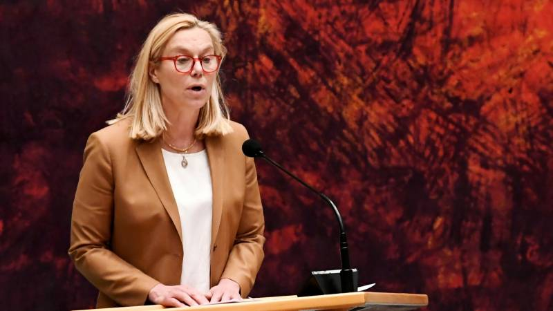 Dutch foreign minister resigns over Afghan crisis