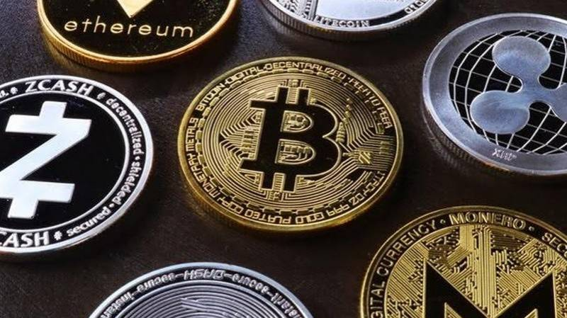 Regulators frown as crypto players move into banking
