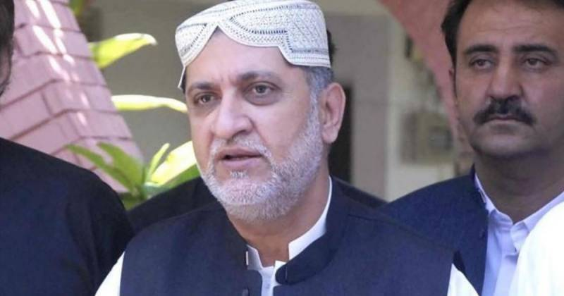 Mengal in Karachi to spur efforts to oust CM Kamal