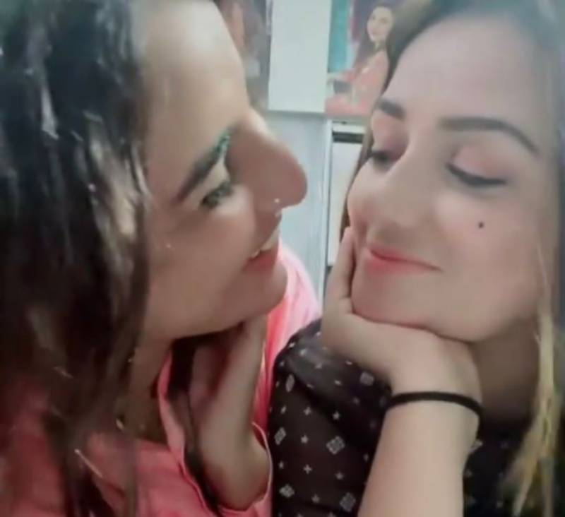 Hareem Shah crosses boundaries with 'flow with the moment' kiss to friend Sundal
