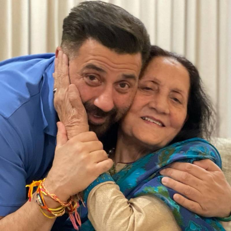 Sunny Deol with his mother