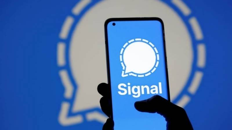 Encrypted messaging app Signal hit by brief outage