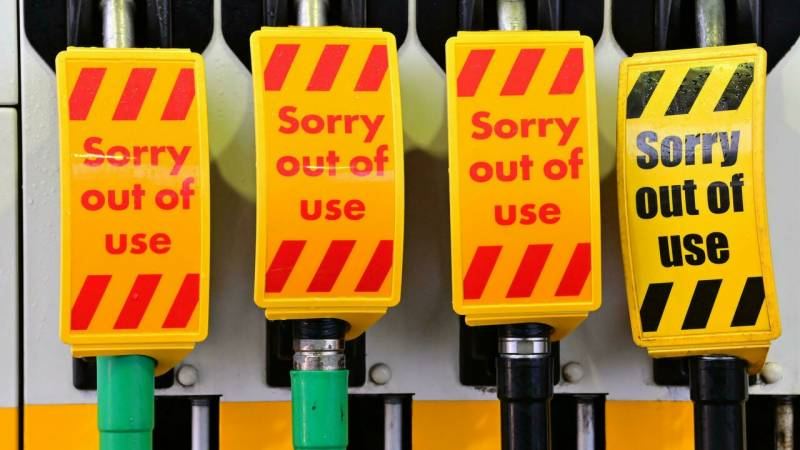 Fuel 'panic-buying' in UK could see army to rescue
