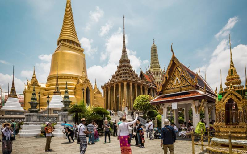 Thailand to cut quarantine for vaccinated tourists