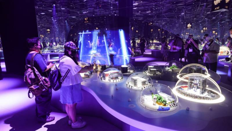 Thousands brave heat as delayed Dubai Expo finally opens
