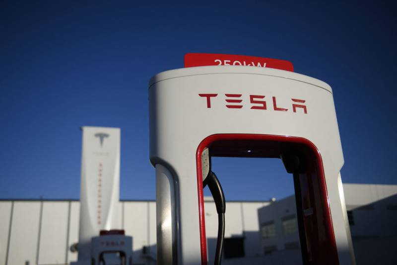 US jury orders Tesla to pay ex-employee $137 million over racism