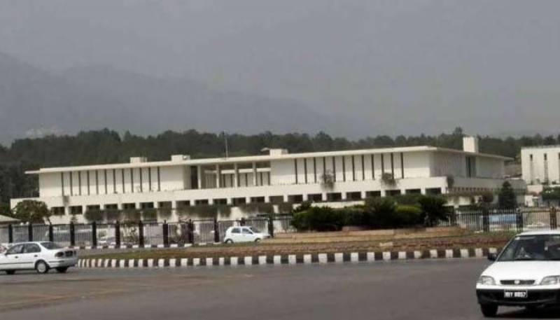 Female officers of federal bureaucracy transferred, posted